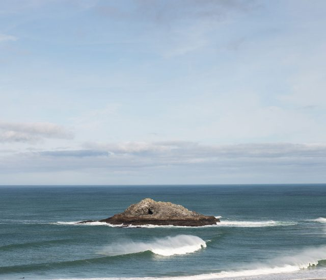 Goose Rock in front of The Bowgie